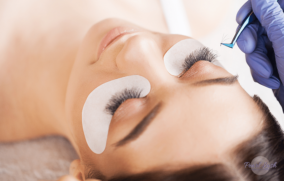 Volume Eyelash Extension Training by Pearl Lash